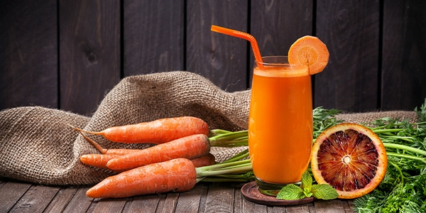 smoothie ginger, orange and carrot juice